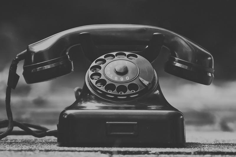 昔のタイプの電話機